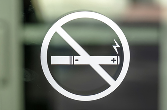 No vaping sign on window